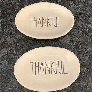 2 Rae dun thankful plates